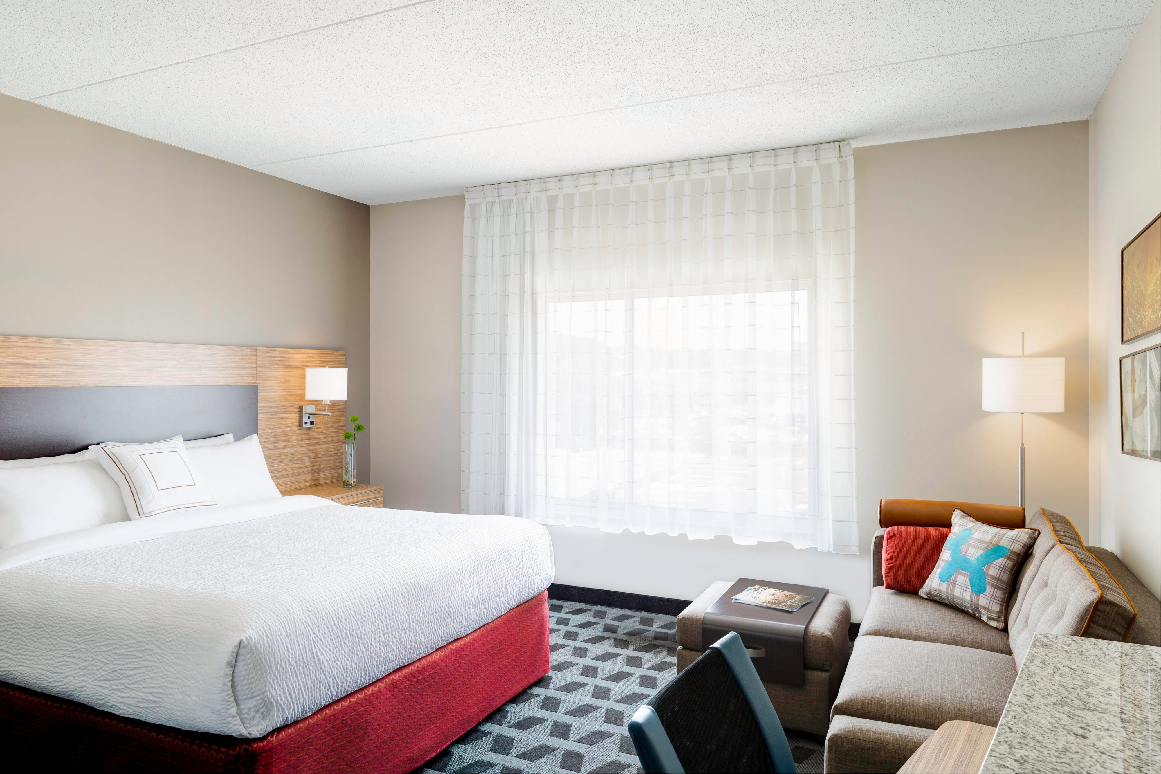 TownePlace Suites San Diego Downtown hotel amenities | Hotel room ...