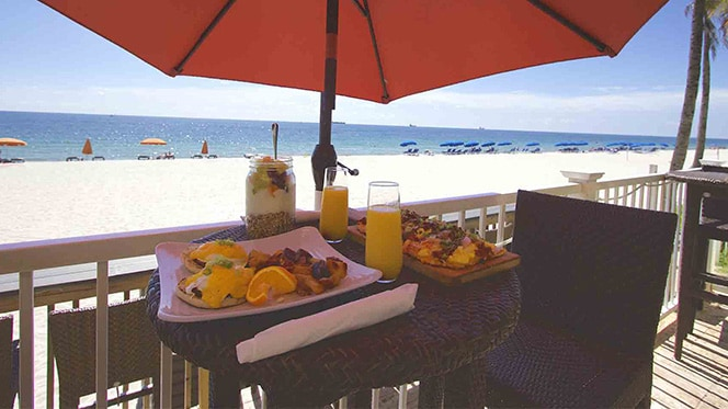 Oceanfront dining in Fort Lauderdale