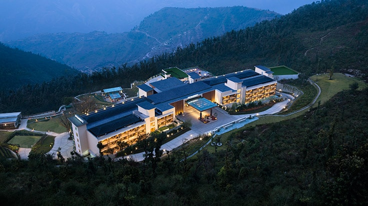 Imagem aérea do hotel | link para o JW Marriott Mussoorie Walnut Grove Resort & Spa
