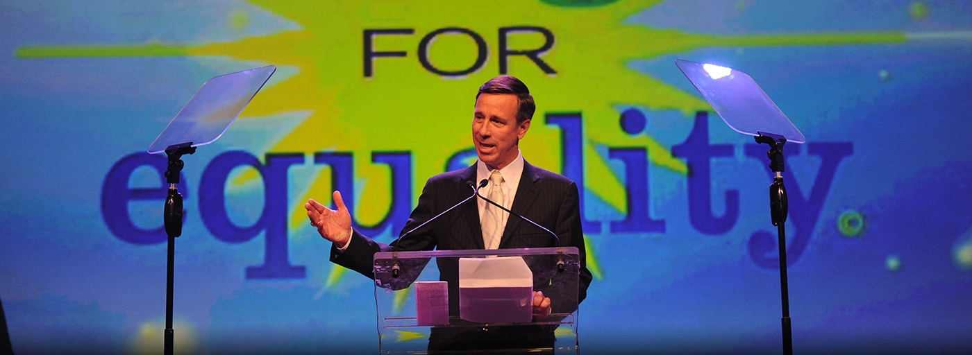 CEO Arne Sorenson accepts PFLAG's Straight for Equality in the Workplace Award in 2015.