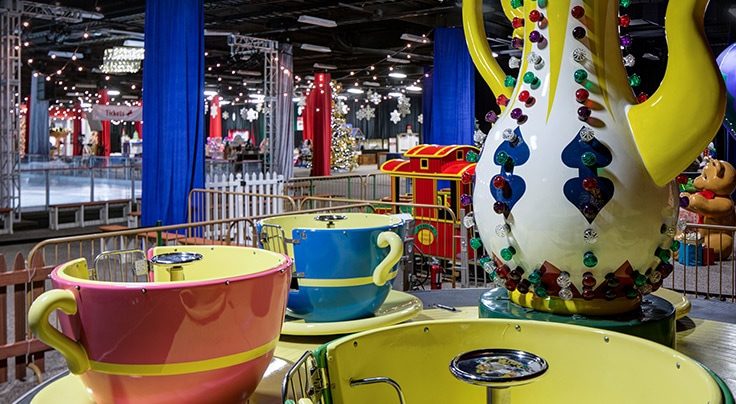 Tea Cup amusement ride seats at Gaylord Opryland's A Country Christmas