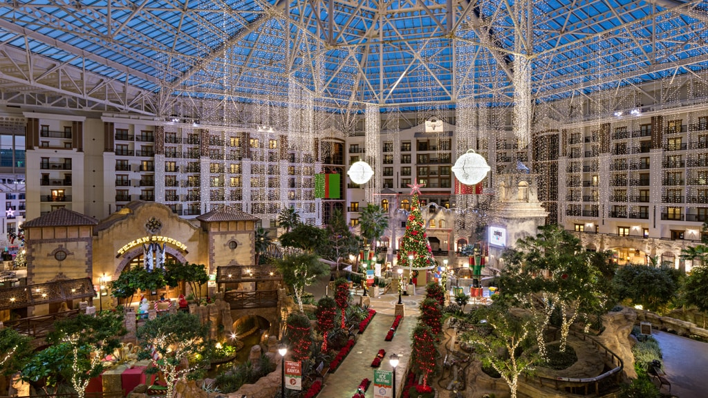 Gaylord Texan Atrium with decoracted Christmas Tree