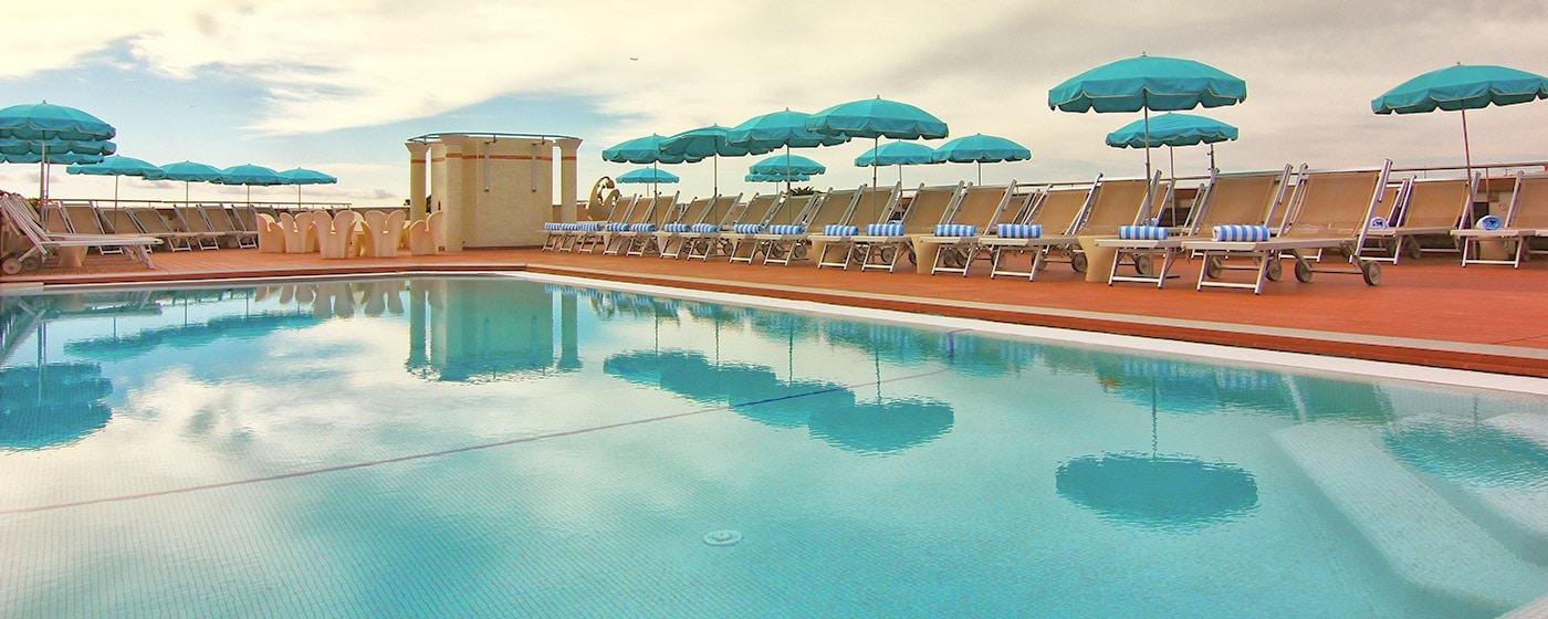 AC Hotel Nice - Piscine sur le toit
