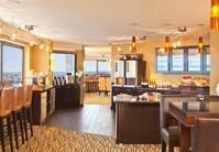 Salon avec conciergerie de l'hôtel à proximité de Copley Square, à Boston