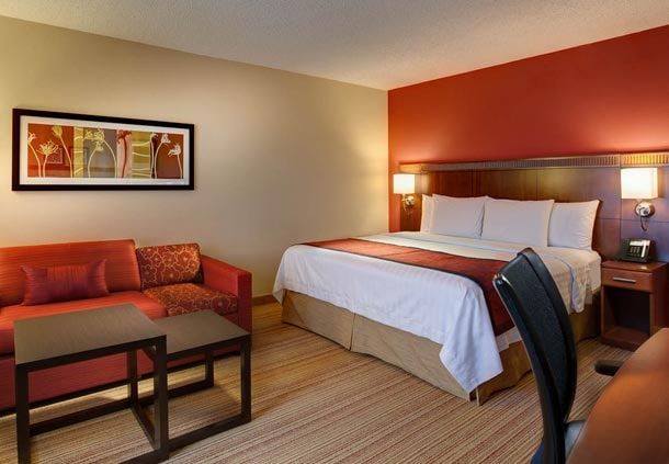 DFW airport hotel king room