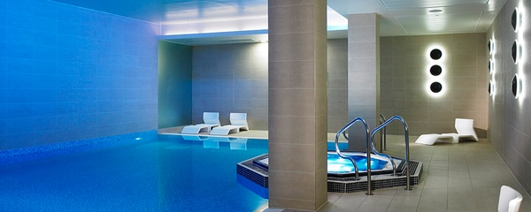 Interior swimming pool - Lingfield Park Marriott Hotel & Country Club
