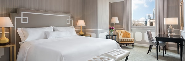 King Deluxe Contemporary Guest Room, The Westin Palace Milan
