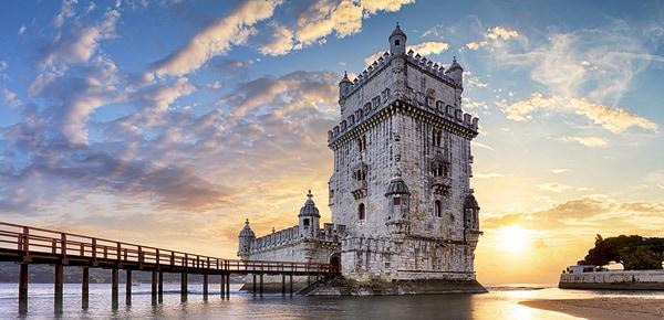 Torre de Belém y río Tajo en Lisboa, Portugal