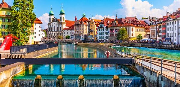 Architecture médiévale de la vieille ville de Lucerne, Suisse