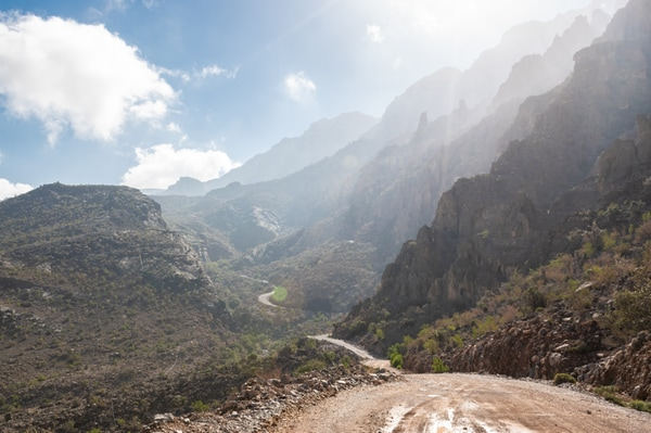 Road leading to Jebel Shams mountain range