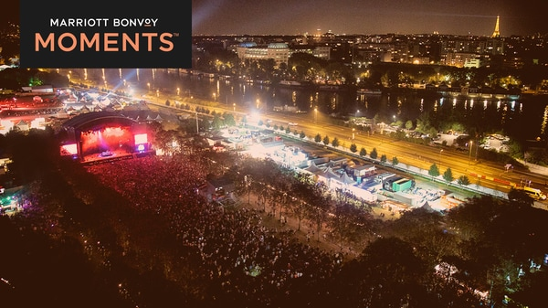 Vista dall'alto dell'intero spazio del festival Rock en Seine a Parigi