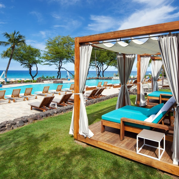 Cabana overlooking pool and ocean in Hawaii