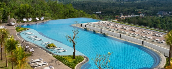 巴厘岛乌鲁瓦图万丽度假酒店