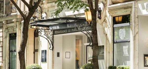 巴黎特罗卡迪罗公园万丽酒店