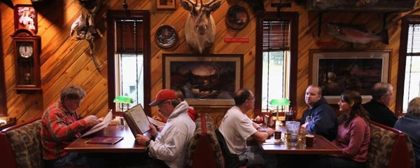 People eating at a restaurant in Anchorage, Alaska.