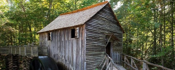 The historic Grist Mill in the Cades Cove in Gatlinburg's smoky mountains.