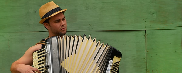 A street musician plays the accordion in the French Quarter in New Orleans, Louisiana