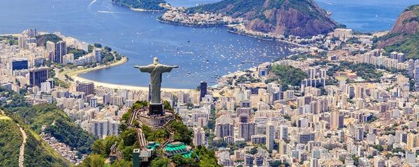 Vista de la ciudad de Río de Janeiro en Brasil, con el Cristo Redentor y sus majestuosas playas