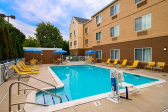 Bethlehem PA hotels with pool