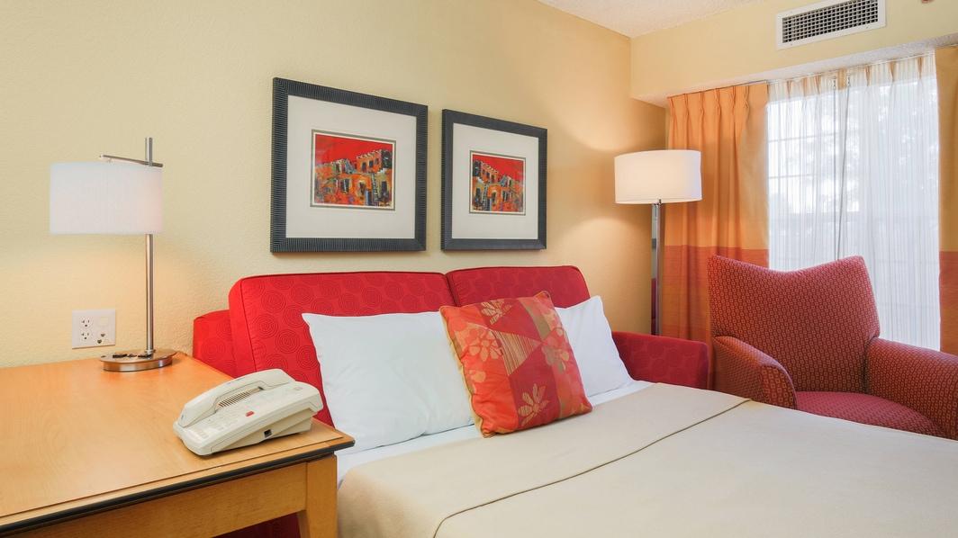Albuquerque Hotel Suite Sofa Bed