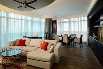 Grand Deluxe Living Room