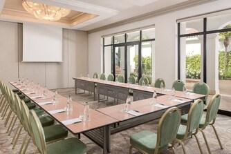 Sala de reuniones GUADAIZA en forma de U