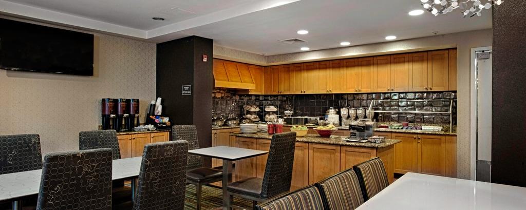 ニュージャージー州アトランティックシティのホテルの朝食エリア