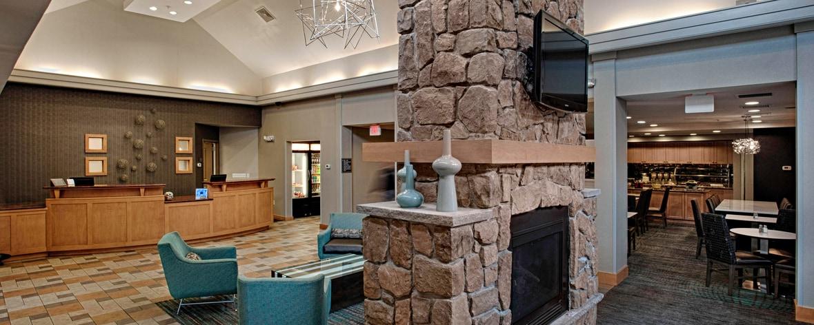 Sala de estar del hotel en Egg Harbor, Nueva Jersey
