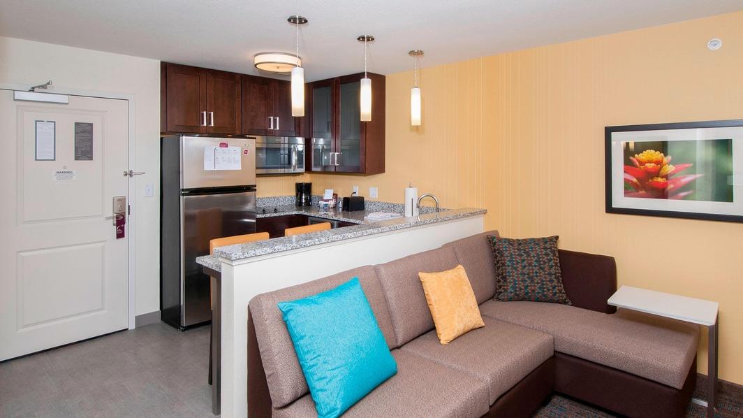 Sala de estar y cocina de la suite Studio