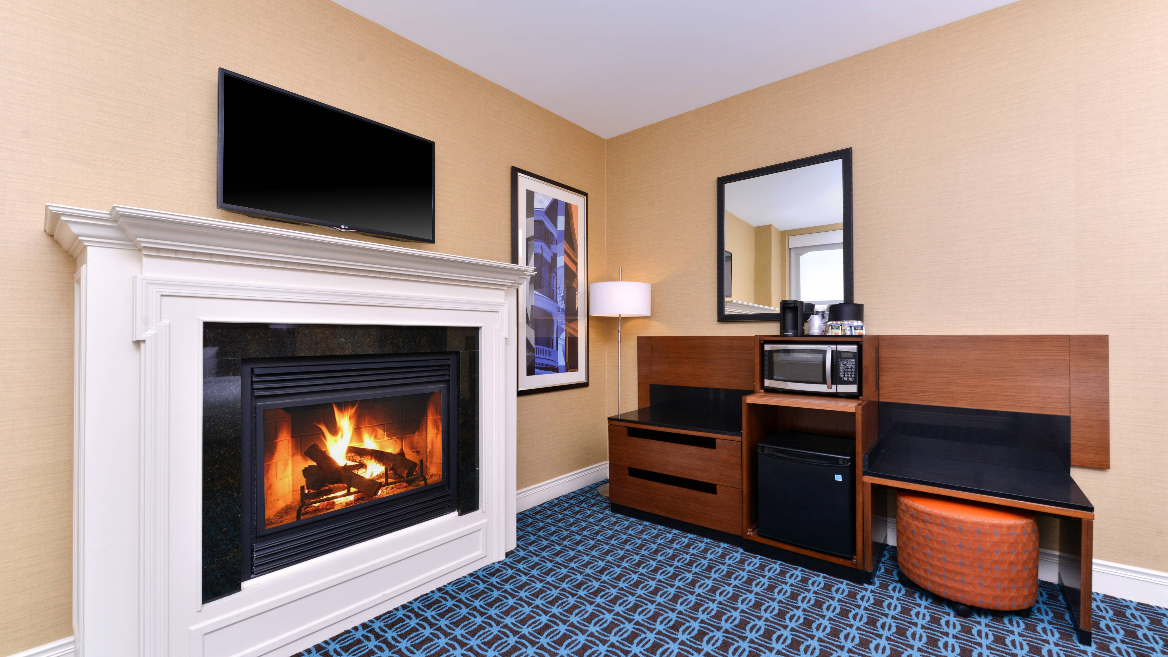 King Guest Room Fireplace