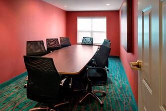 Saratoga Meeting Room