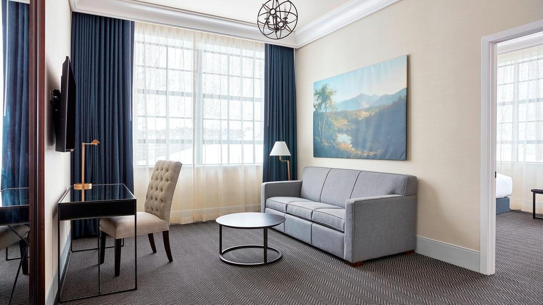 Kingsize Suite