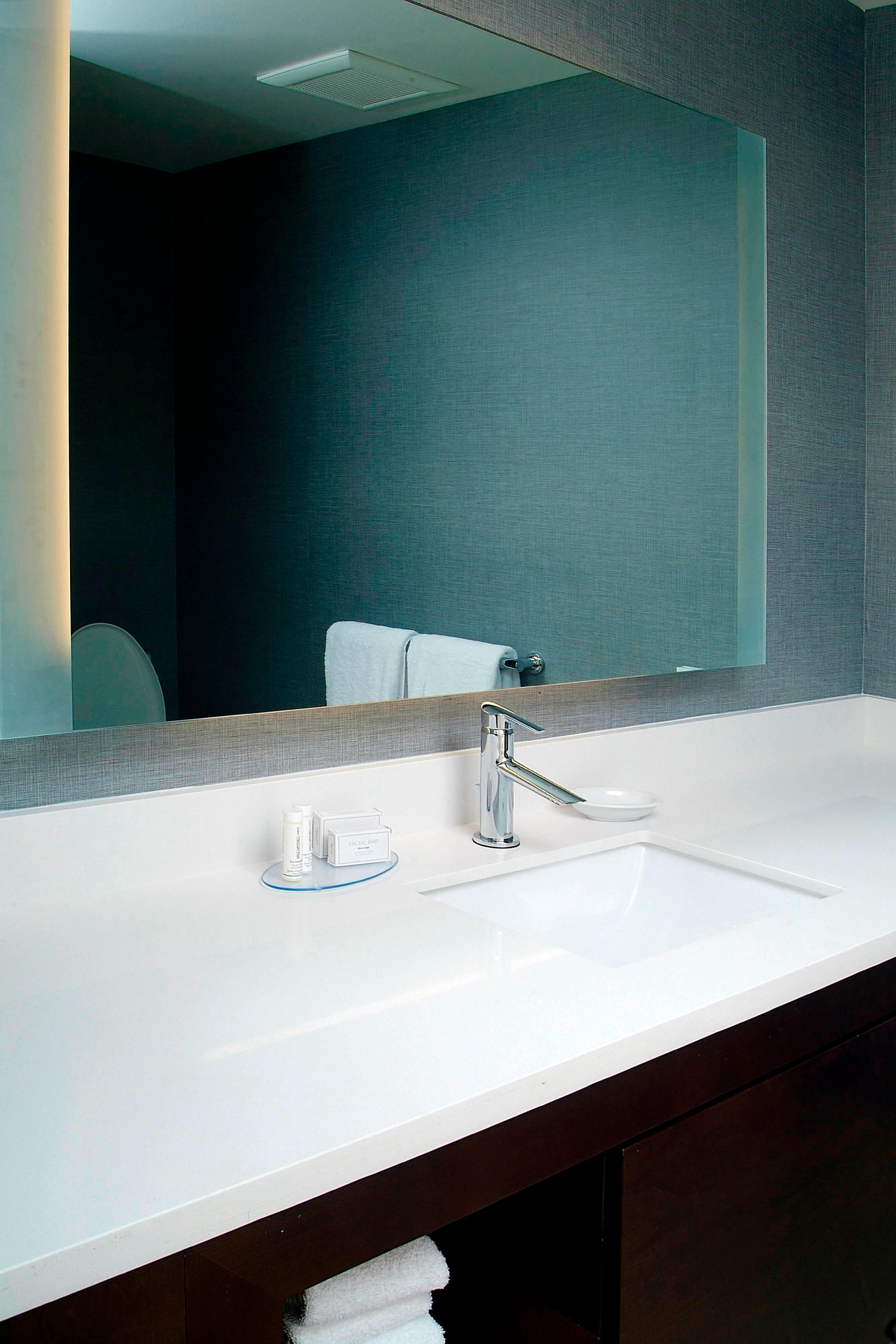 Residence Inn Albany Master Bathroom