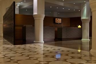 مكتب الاستعلامات بفندق رينيسانس تلمسان