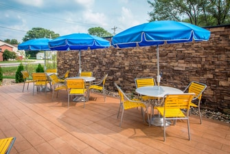 Fairfield Inn & Suites Patio