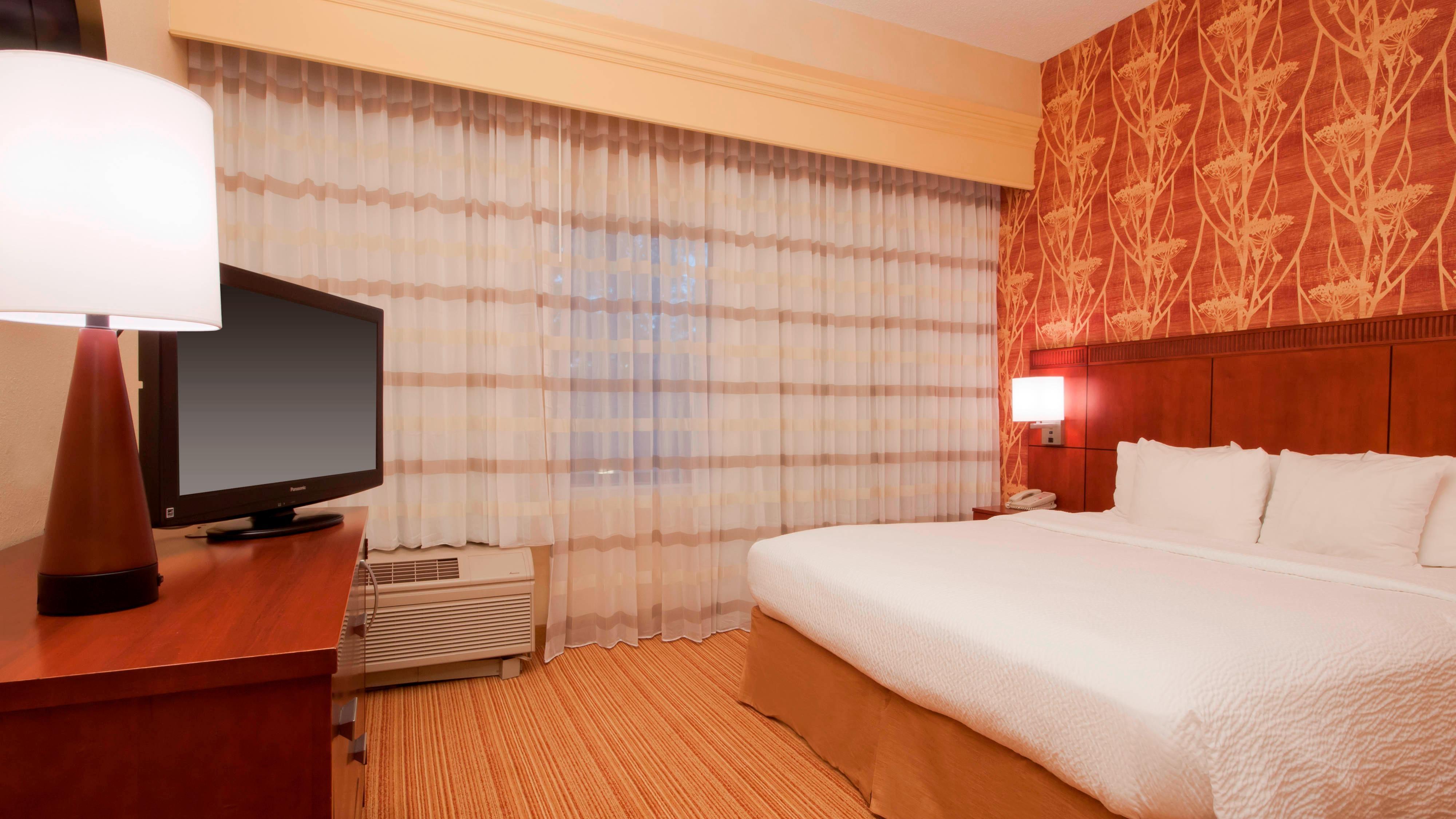 Dormitorio de la suite del hotel en Amarillo, Texas
