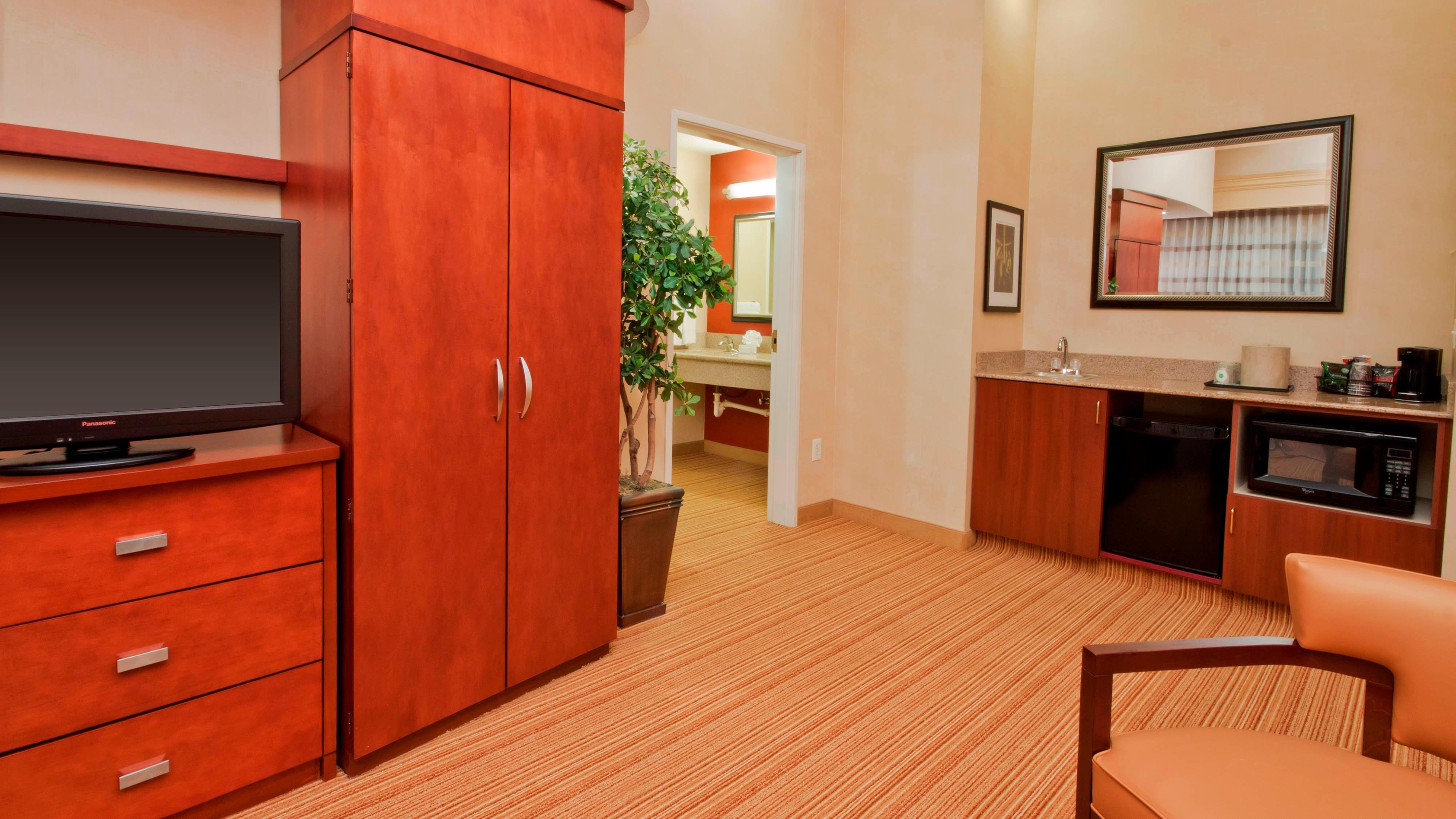 Comodidades de las suites del hotel en Amarillo, Texas