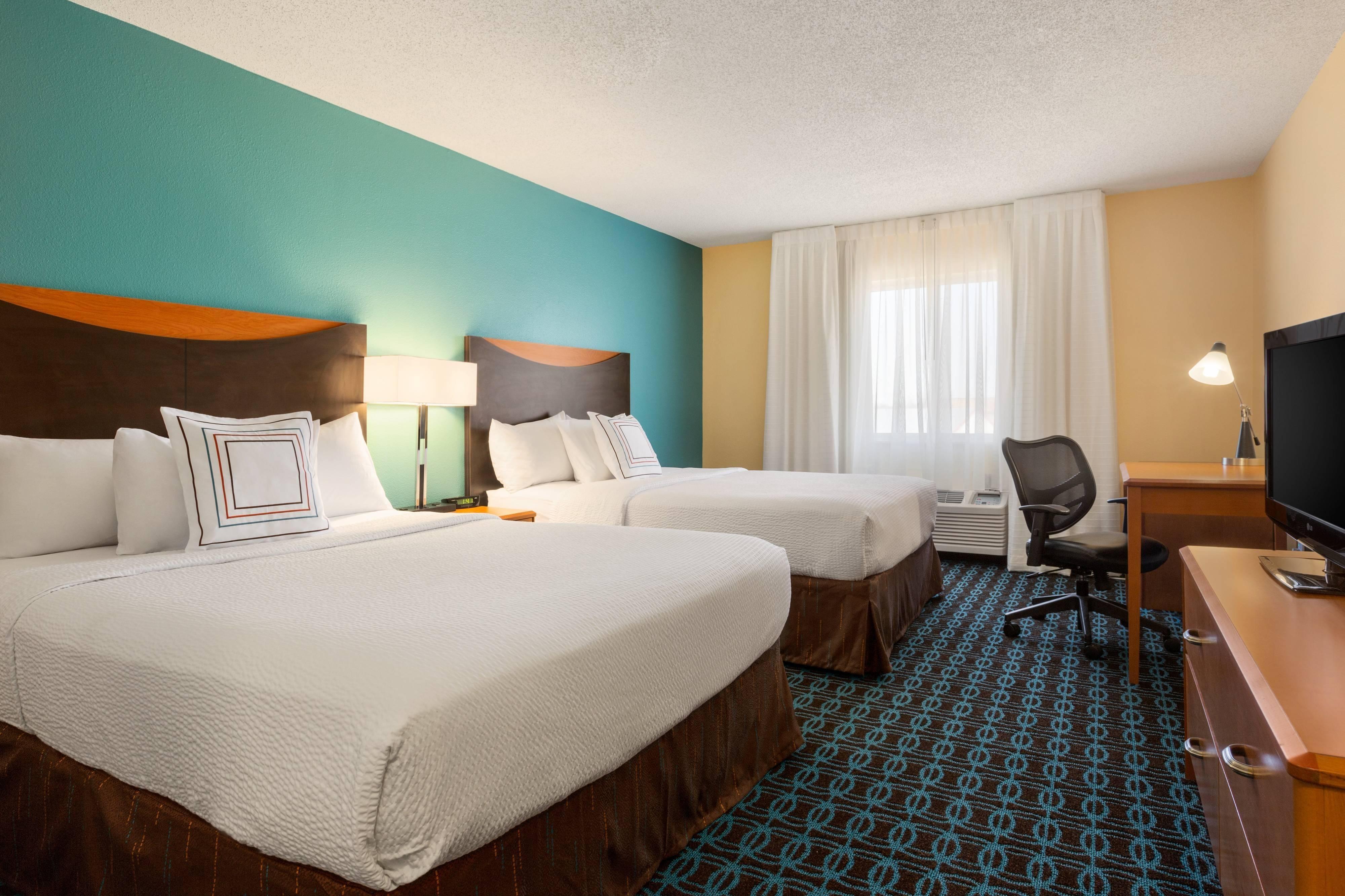 Zimmer mit zwei Queensize-Betten