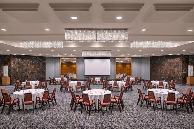 Dushara Ballroom - Round Tables