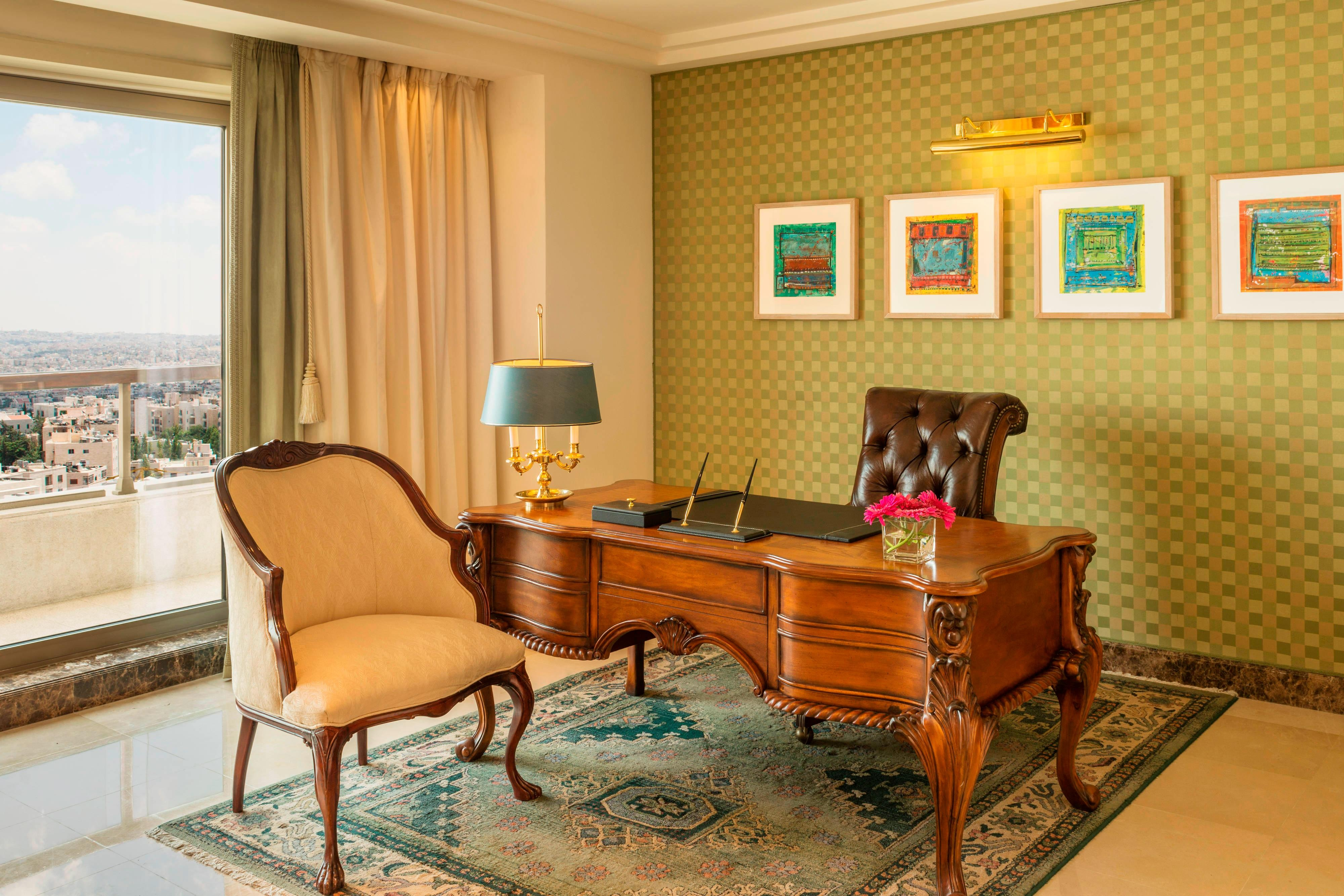 Royal Suite Working Desk
