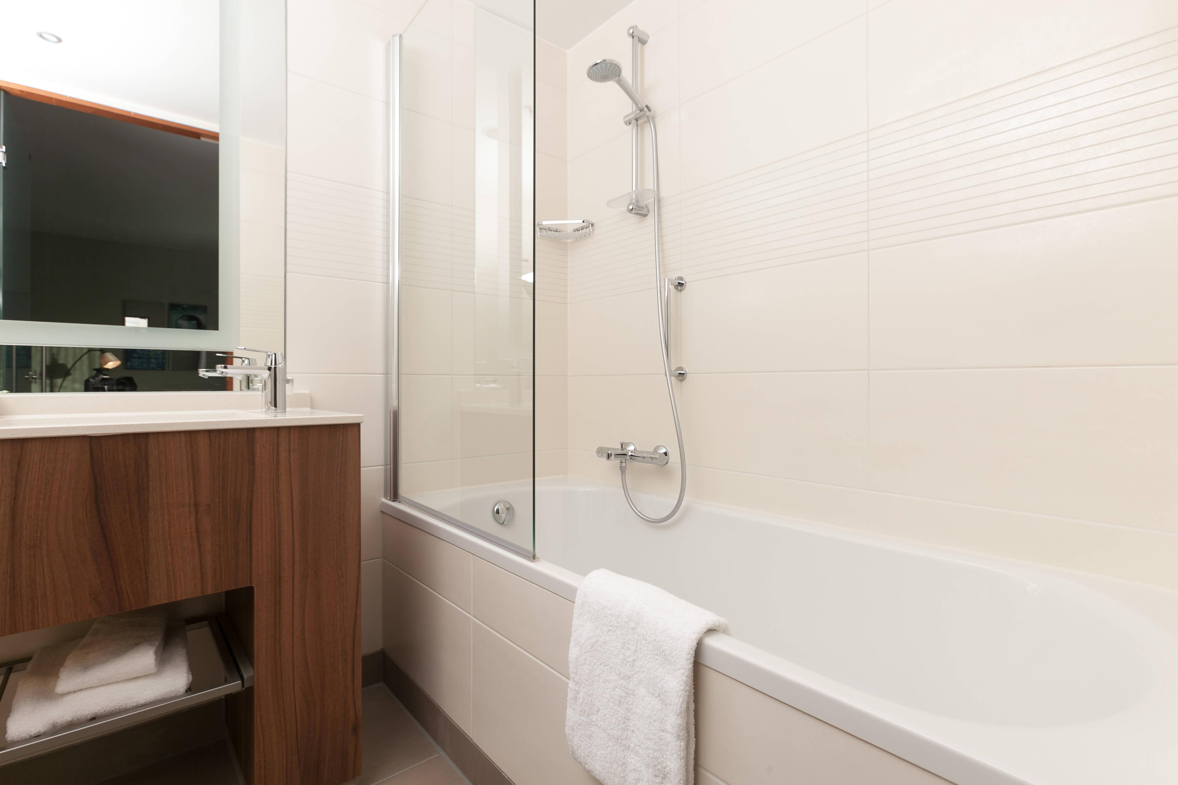 Bathroom - Premium Room