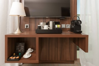 Coffee and tea facilities - Premium Room