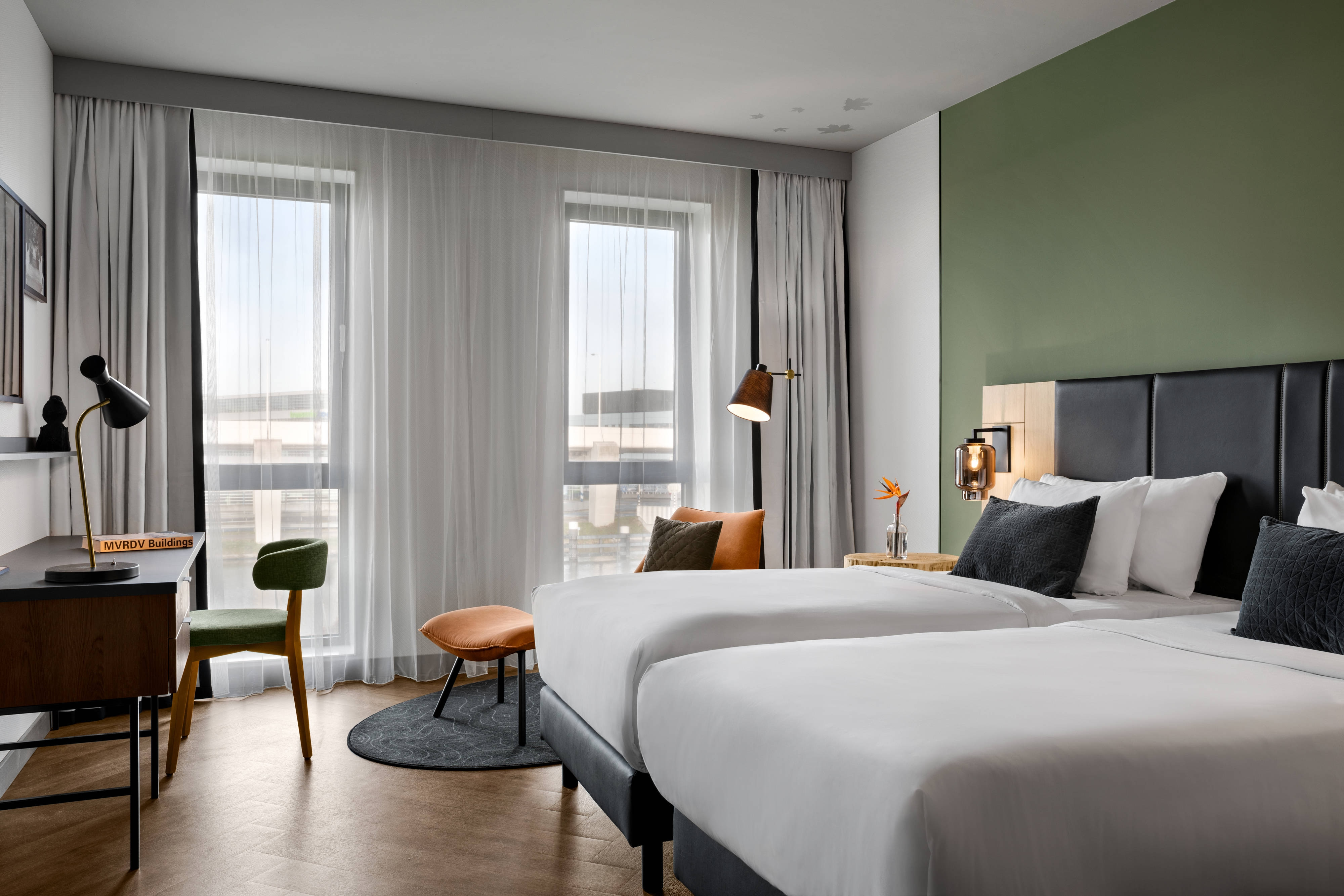 Chambre supérieure avec deux lits simples
