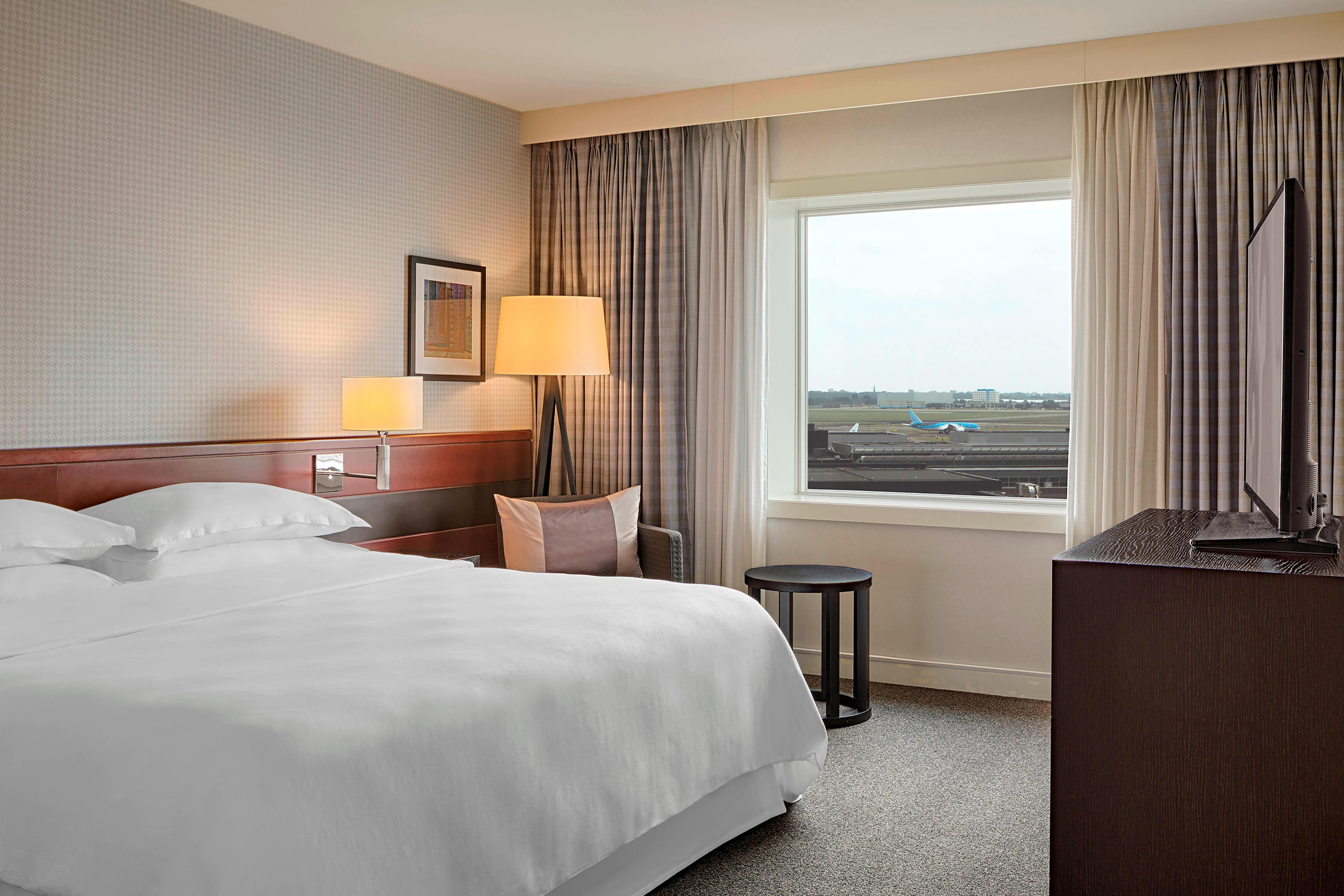 Travel Inspired Guest Room: Sheraton Amsterdam Airport Hotel And Conference Center