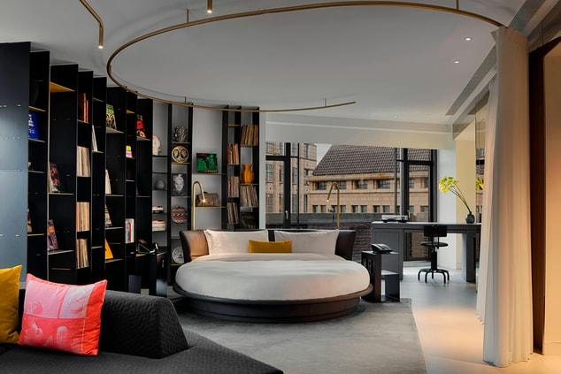 Wow Suite Exchange Bedroom