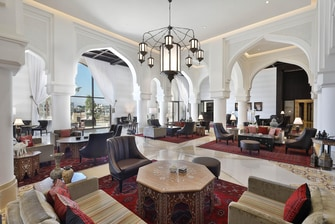 Our majestic lobby features modern décor highlighted with traditional Jordanian accents and offers sweeping views of the Red Sea.
