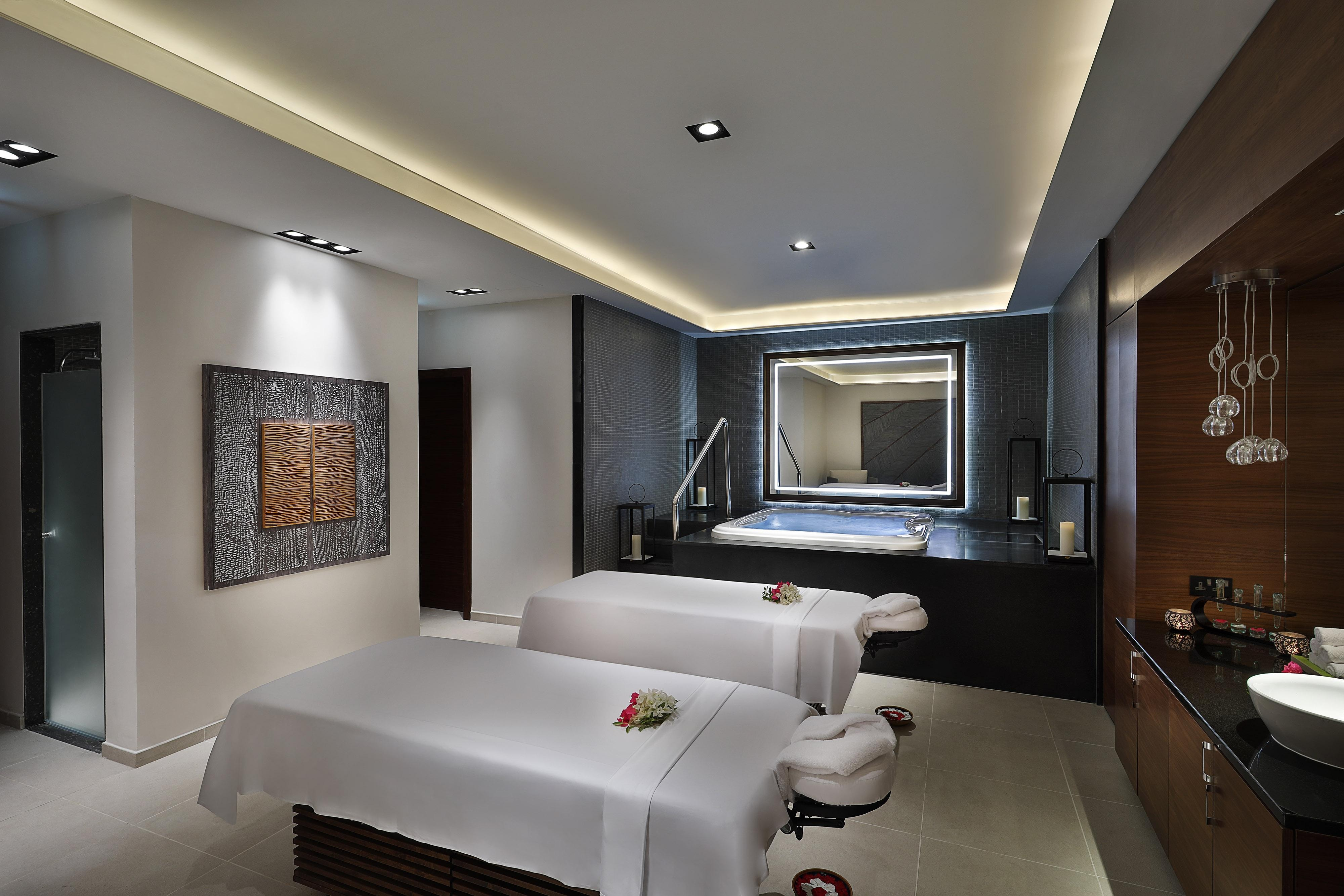 Experience an unforgettable signature massage in our exclusive couples treatment room.