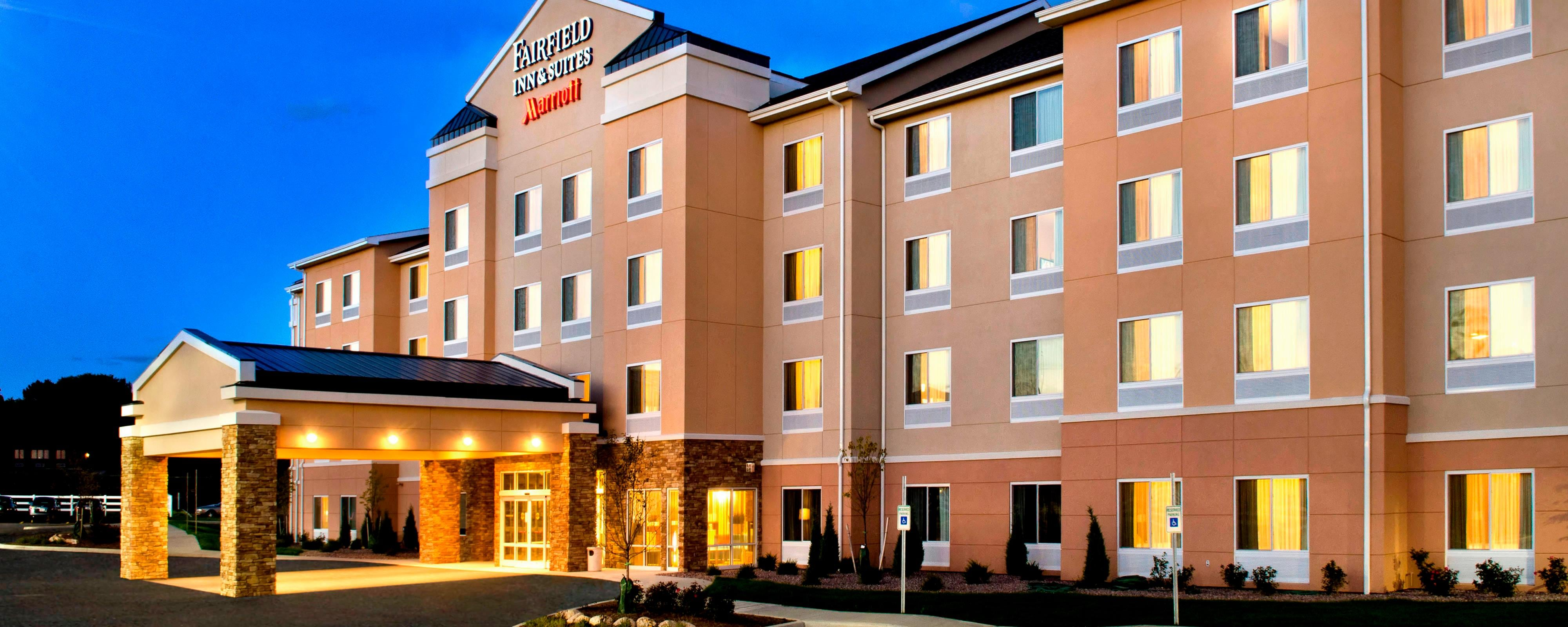 Hotel In Watertown, NY, with Free Wi-Fi | Fairfield Inn & Suites