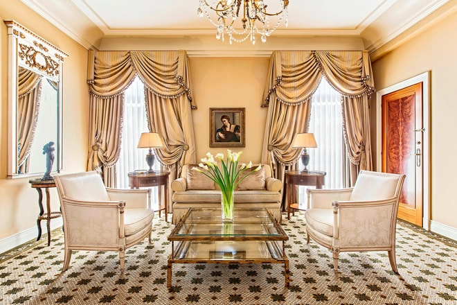Executive Grand Suite - Living Room