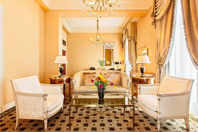 Grand Deluxe Suite - Living Room